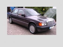 Foto 13 Mercedes Benz W201 190 E 1.8 Limousine Bornitmetallic Bj 07/92 95 tkm Modellpflege
