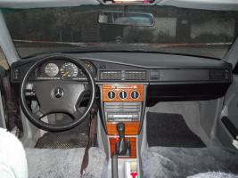 Foto 36 Mercedes Benz W201 190 E 1.8 Limousine Bornitmetallic Bj 07/92 95 tkm Modellpflege