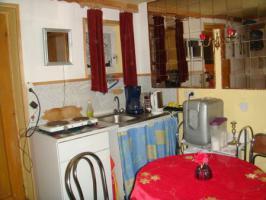 eingerichtete kleine Wohnküche