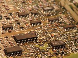 Mikrochips, Netzteile (defekte teile aus dem inneren eines pcs )