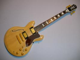 Miniaturgitarre – Epiphone Sheraton natural