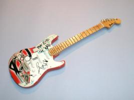 Miniaturgitarre – Pink Floyd The Wall Fender Stratocaster