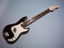 Miniaturgitarre – Precision Bass - Black
