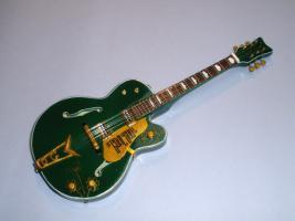 Miniaturgitarre – U2's Bono Irish-Falcon Guitar