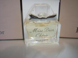Foto 2 Miss Dior LE PARFUM, Chérie EDP Flakons & 2 x Phiolen 1ml EDP
