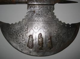 Foto 3 Mittelalterliche Streitaxt mit Einfachblatt verziert als Wanddeko