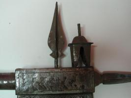 Foto 4 Mittelalterliche Streitaxt mit Einfachblatt verziert als Wanddeko