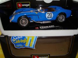 Foto 2 Modellauto Ferrari 1:18