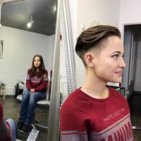 Makeover von lang zu coolem Pixie mit Undercut