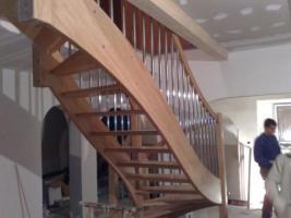 Foto 2 Montage, Treppe, Holztreppe, Massivholztreppe, Innentreppe, Treppe aus Polen , Polnische Treppe, Treppenhaus, Treppe aus Holz