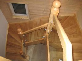 Foto 4 Montage, Treppe, Holztreppe, Massivholztreppe, Innentreppe, Treppe aus Polen , Polnische Treppe, Treppenhaus, Treppe aus Holz