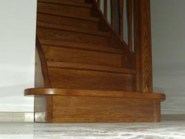 Foto 5 Montage, Treppe, Holztreppe, Massivholztreppe, Innentreppe, Treppe aus Polen , Polnische Treppe, Treppenhaus, Treppe aus Holz