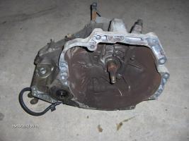 Foto 8 Motor 2,0 16 V Top Zustand und andere Teile für Nissan Primera P 10