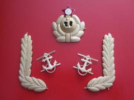 Mützenkokarde, Kragenwinken u. Anker der sowjetischen Kriegsmarine