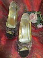 Foto 2 NEU* Glitzer * Perlen- Stickerei * Peep Toes * High Heels * Boho * Folklore * Trachten * Pumps * Sandaletten * Schuhe ''APART'' Gr. 38/ 5 braun- gold *