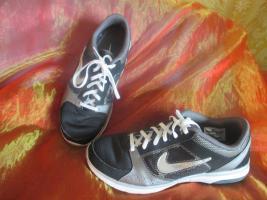NEU * Damen oder auch Herren * Unisex * Trainings Sport Hallen Lauf Schuhe Sneaker ''NIKE'' Air Max Fit * Original * Gr. 39/ 6 * schwarz * silber *