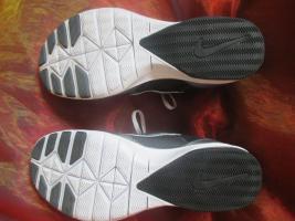 Foto 5 NEU * Damen oder auch Herren * Unisex * Trainings Sport Hallen Lauf Schuhe Sneaker ''NIKE'' Air Max Fit * Original * Gr. 39/ 6 * schwarz * silber *