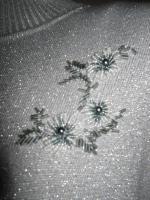 NEU * Original 70er Jahre VINTAGE * DESIGNER * Glitzer * Blüten * Perlen * Stickerei * Lurex * Feinstrick * Pullover * Gr. 36- 38/ S- M * silber *