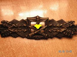 Foto 3 Nahkampfspange Bronze mit Hersteller