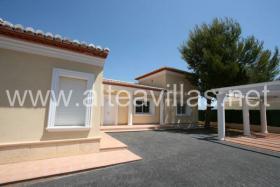Foto 2 Neu erbaute Villa in Moraira an der Costa Blanca mit wunderschönem Meerblick