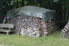 Ofen-Brennholz gemischt 20-25cm Länge, 18m³ Haufen