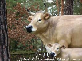 Ok. Sie möchten auch ne Deko Kuh lebensgross für Ihren Garten... ja dann kaufen Sie sich eine und dazu gibt es Gratis das Deko Kalb dazu ...