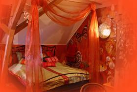 Orientalisches himmelbett  Orientalisches Themenzimmer 1001 Nacht - sinnlich träumen in ...
