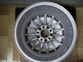 Foto 10 Original Mercedes Benz Sportline Alufelgen 15 Zoll ;7J x 15 H2 ET 44 mm ; 15 Loch Felgen !