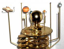 Foto 4 Orrery Präzises Sonnensystem-Modell