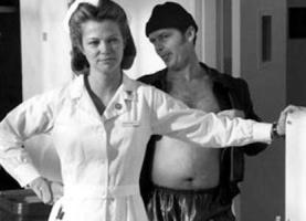 Foto 2 Oscar-Gewinnerin LOUISE FLETCHER Autogramm/Widmung auf Großfoto.