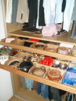 Foto 4 PAX-Kleiderschrank mit schwarzen Glasschiebetüren