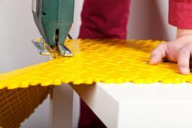 Foto 2 PVC Bodenbelag zur Selbstmontage in der Garage-Hobbyräume-Werkstätten