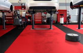 Foto 10 PVC Bodenbelag zur Selbstmontage in der Garage-Hobbyräume-Werkstätten