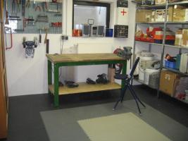 Foto 15 PVC Bodenbelag zur Selbstmontage in der Garage-Hobbyräume-Werkstätten