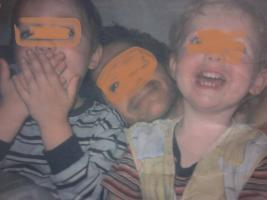 Papa Liest Kindergeschichten gegen Entfremdung Umgangsrecht , erkämpfen