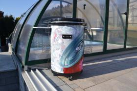 Party Kühlschrank Red Bull : Partycooler mobiler party kühlschrank auf rollen in st
