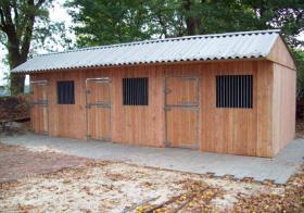 Foto 4 Pferdeausenboxen ein Preis der sich rechnet
