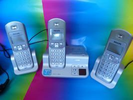 Philips Schnurlos Telefon mit 2 Nebenstellen