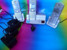 Foto 2 Philips Schnurlos Telefon mit 2 Nebenstellen