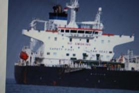 Foto 4 Piraten überfallen Ferieninsel - 150 Geiseln aus Hotel genommen , DSDS Sommerferien