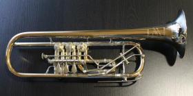 Profiklasse Konzert - Trompete A. Wolfram Markneukirchen, Goldmessing mit 2 Überblasklappen