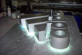Foto 2 Profilbuchstaben Plexibuchstaben LED Buchstaben 3d Buchstaben