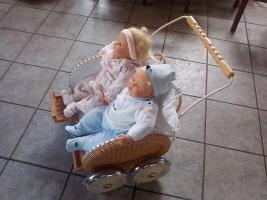 Foto 2 Puppenwagen mit Zwillingspuppen