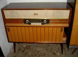 Radio/Plattenspieler um 1950