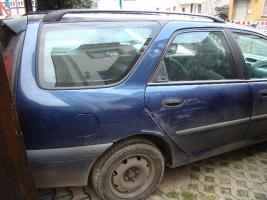 Foto 4 Reanult zum Ausschlachten oder als Bastlerfahrzeug zu verkaufen.