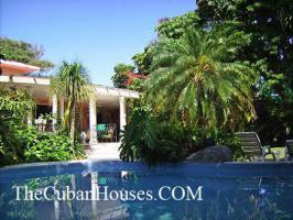 Foto 3 Reisen nach Kuba im Urlaub. Feine Häuser mit Pool in Havanna.