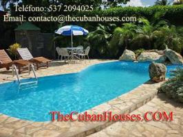 Foto 4 Reisen nach Kuba im Urlaub. Feine Häuser mit Pool in Havanna.