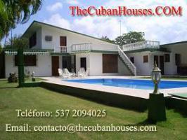 Foto 5 Reisen nach Kuba im Urlaub. Feine Häuser mit Pool in Havanna.