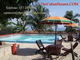 Foto 6 Reisen nach Kuba im Urlaub. Feine Häuser mit Pool in Havanna.