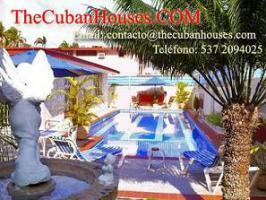 Foto 7 Reisen nach Kuba im Urlaub. Feine Häuser mit Pool in Havanna.